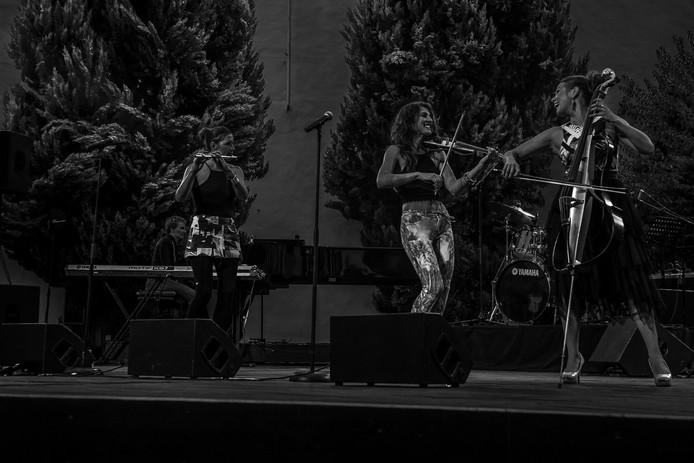 3 Girls in Concert # 3