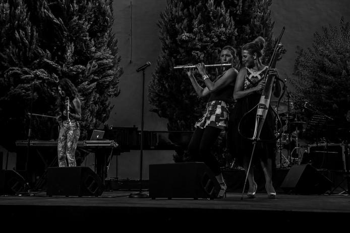 3 Girls in Concert # 2