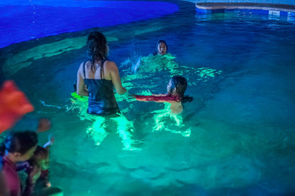 1-Into The Pool  # 1 copia.jpg