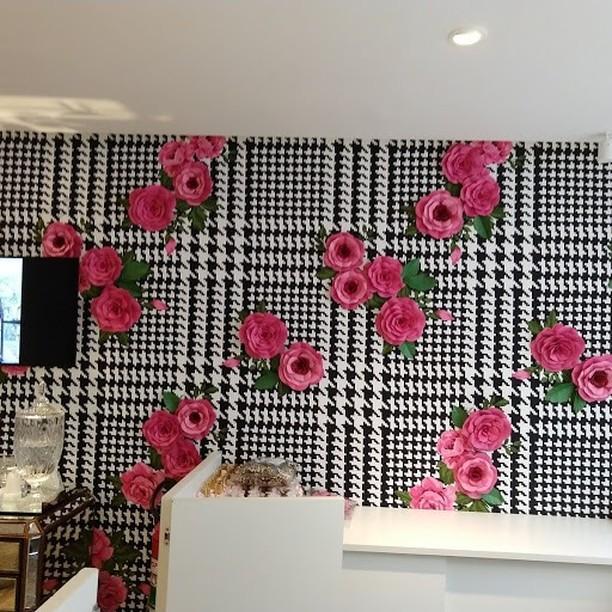 Lulu/Brasil - painel de rosas.