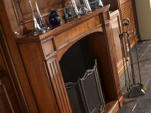 Caminetto in legno realizzato su misura