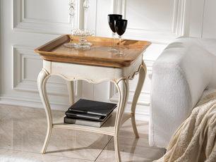 Tavolino ciliegio con piano a vassoio