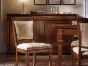 Sedia in ciliegio stile classico tappezzata