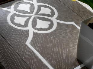 Tavolino rettangolare frassino con piano intarsiato