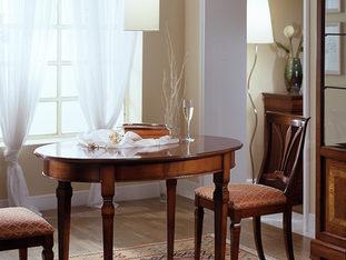 Tavolo ovalino in ciliegio allungabile in stile classico