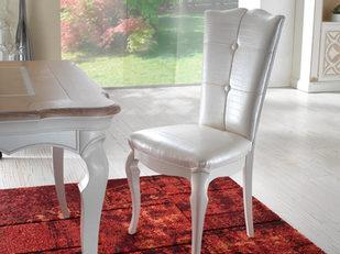 Sedia in stile contemporaneo tappezzata