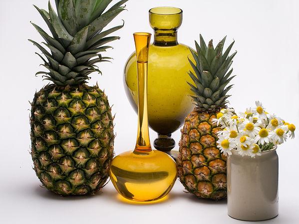 flowers-fruits-pineapple-34527.jpg