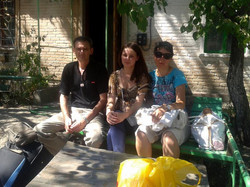 Jews waiting to leave Luhansk
