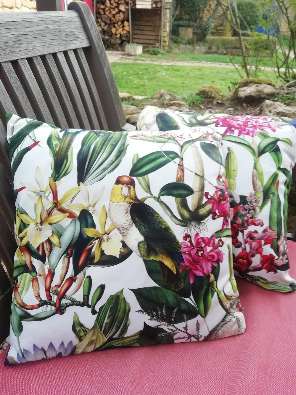 relooking des coussins de la terrasse d'été