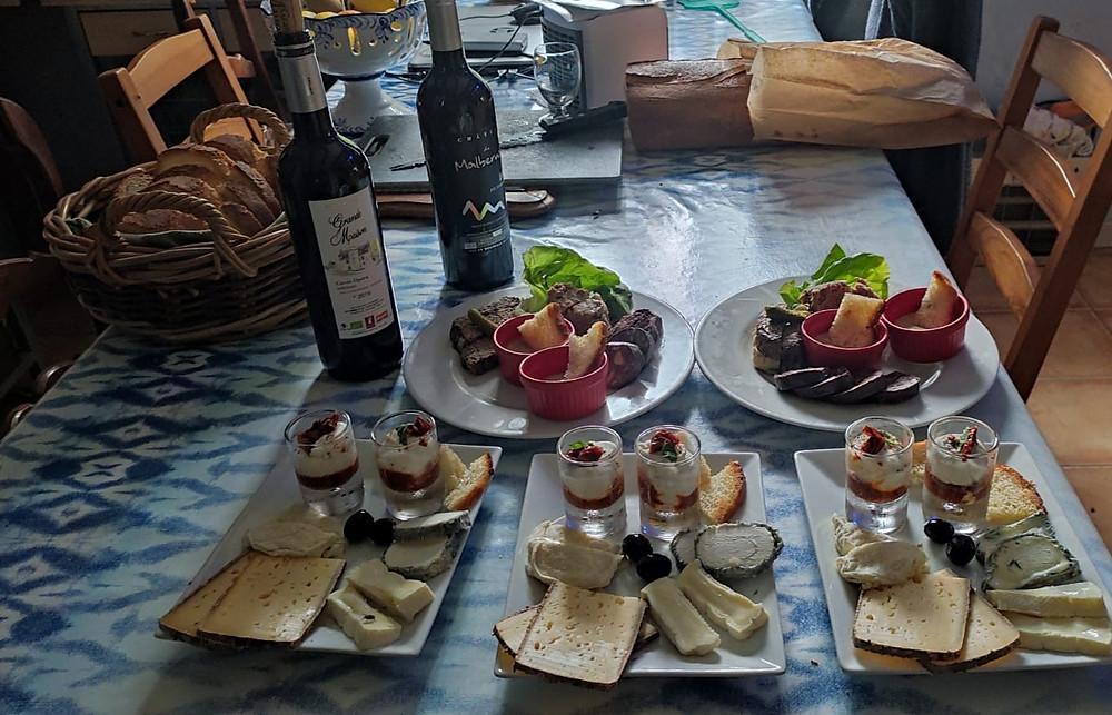 les soirées dégustations à la Borie du chevrier avec ses spécialités de terroir