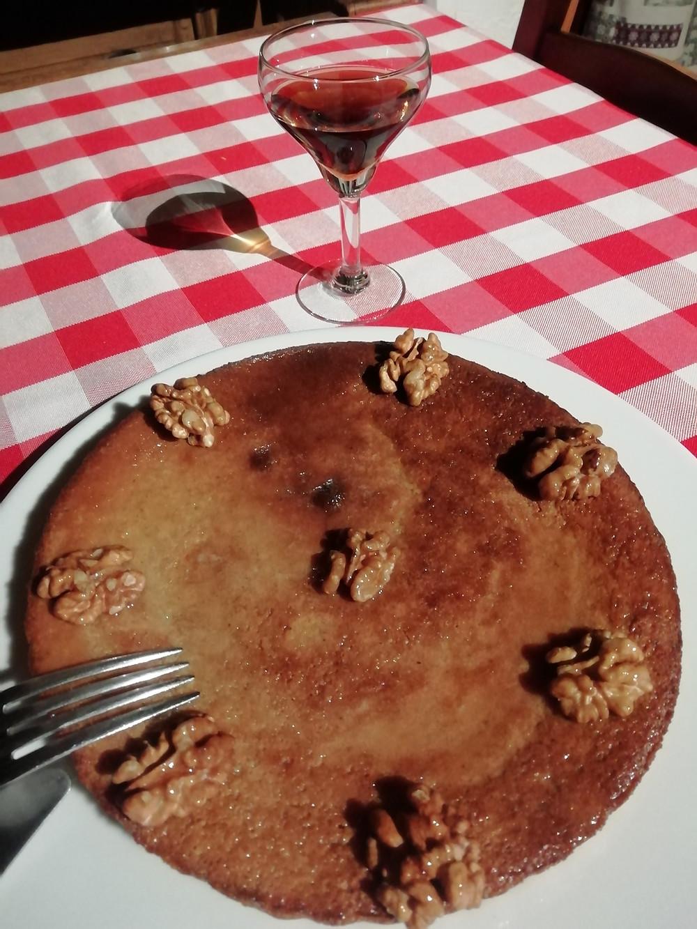 Pour un 4 heures de confinement, la tarte à la semoule et aux noix de grand mère de Dordogne