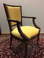 Chaise jaune.jpeg