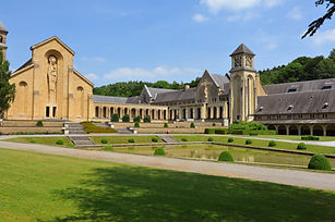 campingalaska-visites orval-abbaye-famil