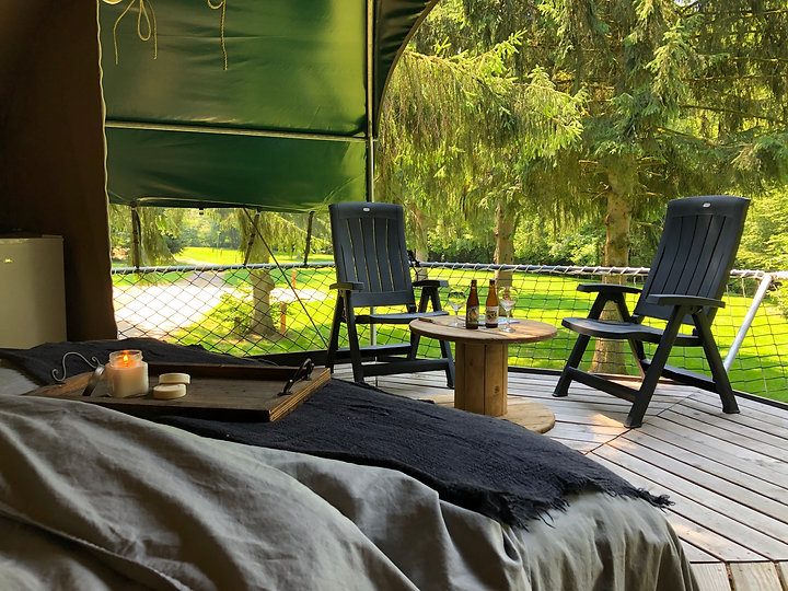 camping alaska-hebergement insolite-tent
