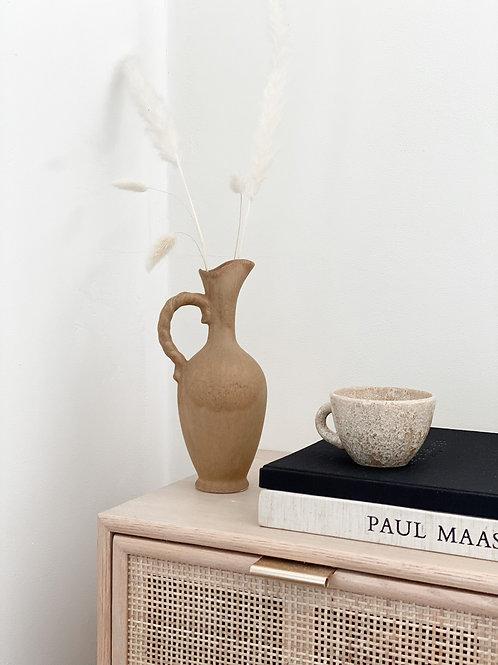 Vase beige antique