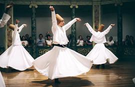 الرقص الصوفي التركي العثماني.jpg