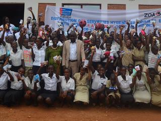 La serviette AGATEKA dans les écoles du projet « Ishure ry'inyenyeri »