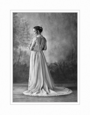 Bride in silouette, black and white