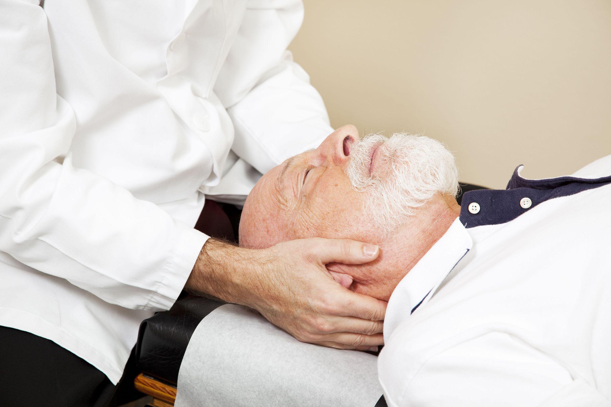 Headache-Chiropractor