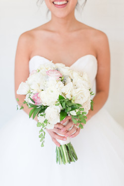 White and Blush mixed bouquet
