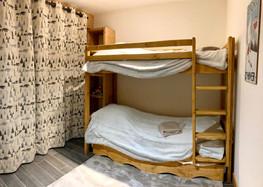 Chambre d'enfants : lits superposés, pla