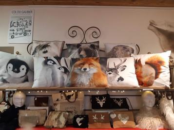 Coussin animaux et pochettes