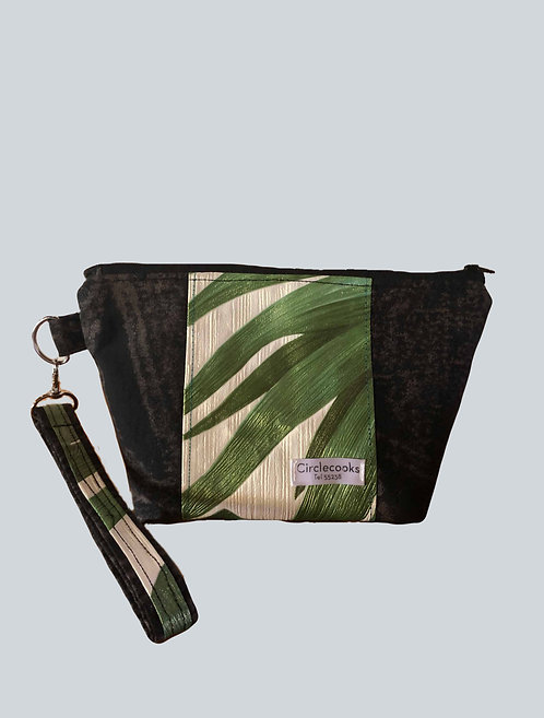 Wallpaper wristband purse black/green
