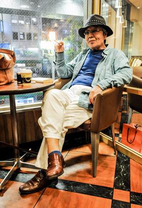 Dans un café de Tokyo, Japon, mai 2014.