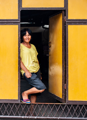 """""""The lady in yellow"""", Philippines, octobre 2016."""