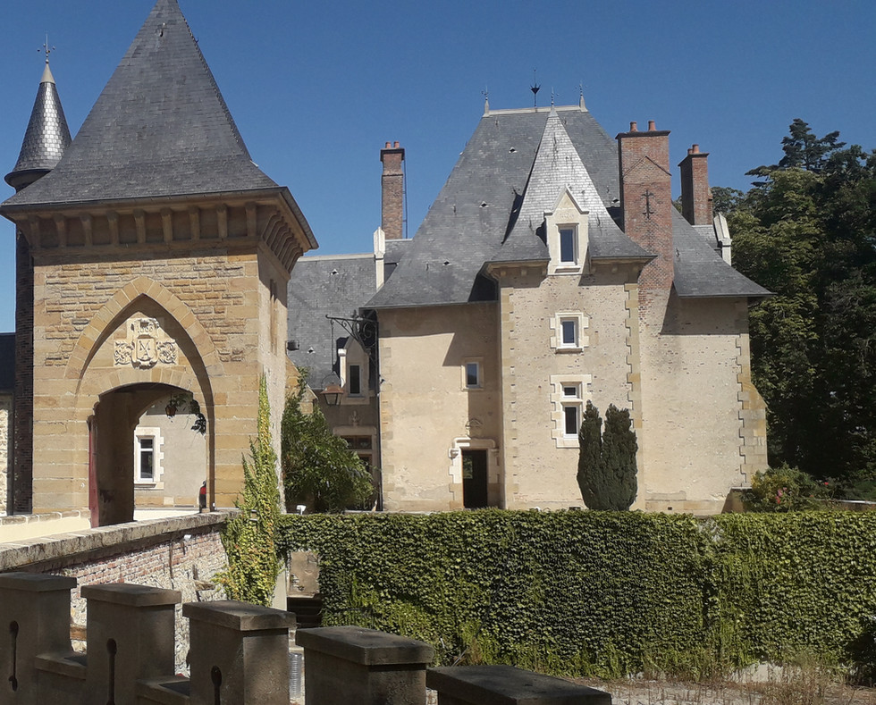 Façade chateau Origny