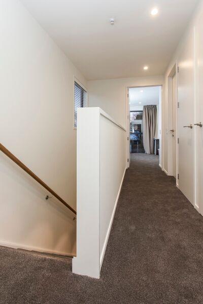187 Kilmore St - corridor view