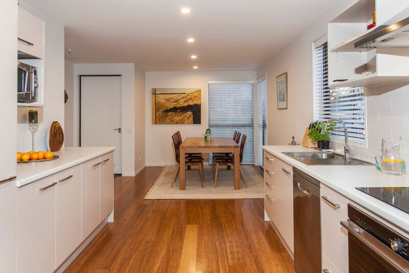 187 Kilmore St - dining view