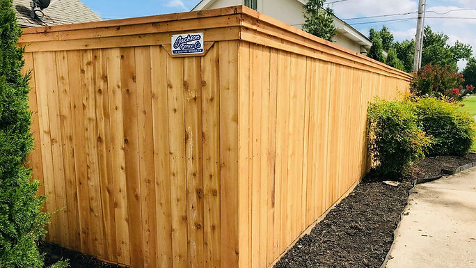 backyard wood fence in caruthersville mo
