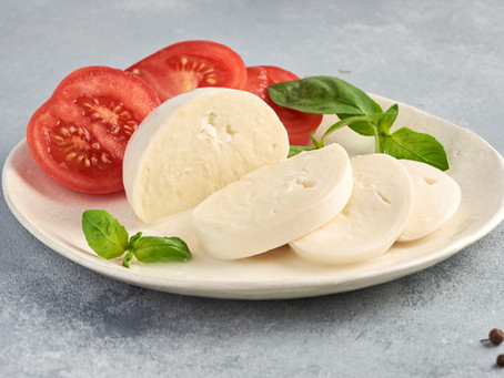 Which Mozzarella Cheese Should You Use On Your Chicken Parm?