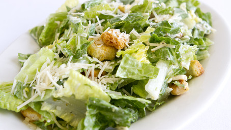 What Type of Salad Can You Serve with Chicken Parm?