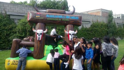 Toro mecánico para niños