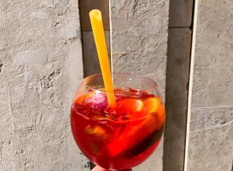 Restaurantes italianos inovam substituindo canudo plástico por canudo de macarrão