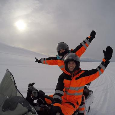 snow mobiling23.jpg