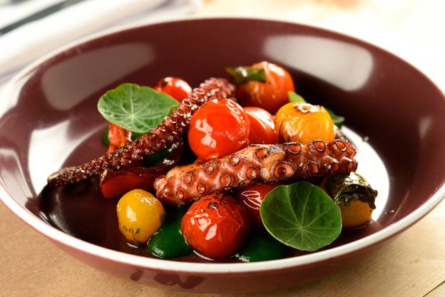 Especializado em cortes dry aged, o Cór Gastronomia, no Alto de Pinheiros, passa a servir também rec