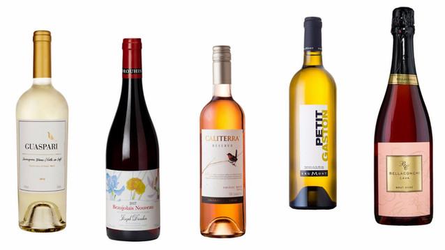 Seis vinhos e espumantes novos para beber na piscina