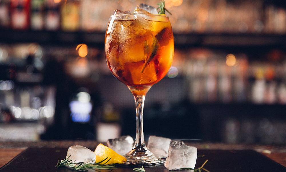 Melhores bares novos São Paulo Trabuca Itaim Gin Gim tônica
