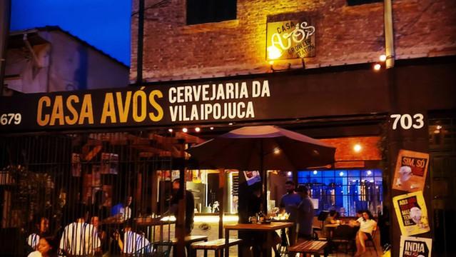 Reaberto como nanocervejaria, o bar da Avós, na Vila Ipojuca, agora serve comidinhas, investe em cer