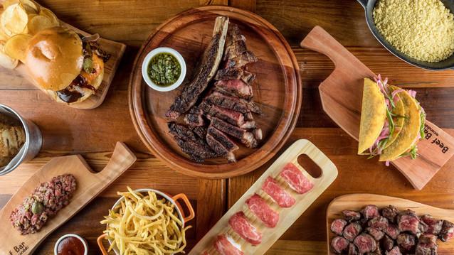 Em Copacabana, o Beef Bar Escondido foi criado para quem adora carnes, drinks e cervejas artesanais