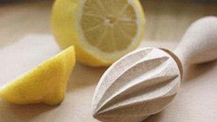 Lemon Squeezer Wooden