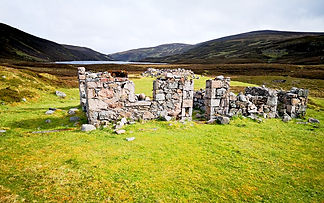 Loch Builg lodge ruin (slightly off rout