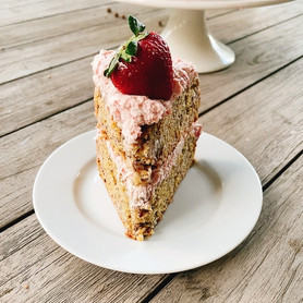 Day 331: Healthy Banana Cake With Strawberry Frosting