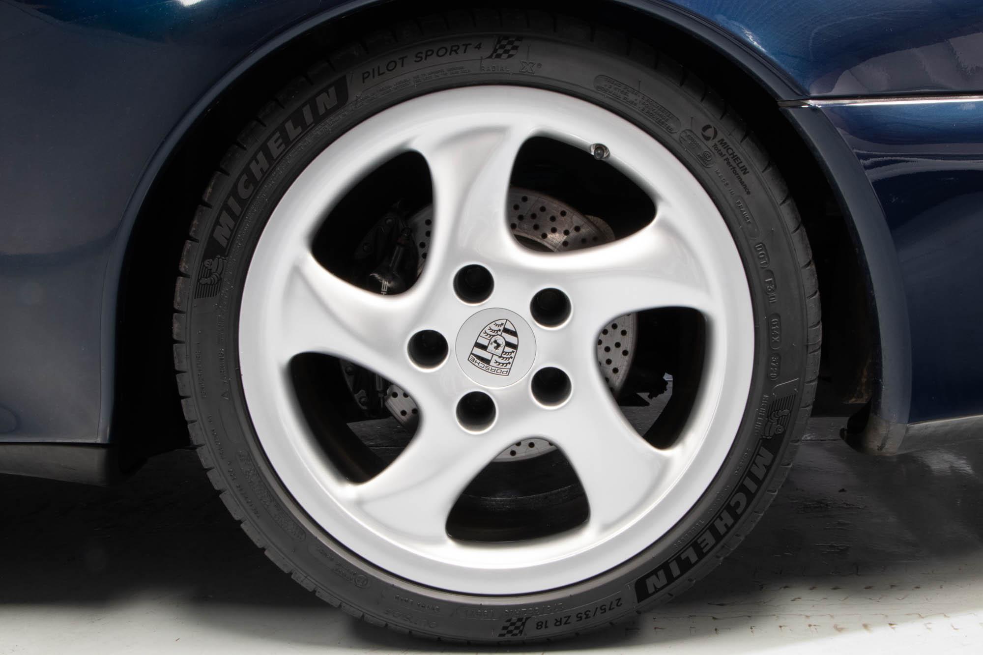 Porsche 993 C4S-12