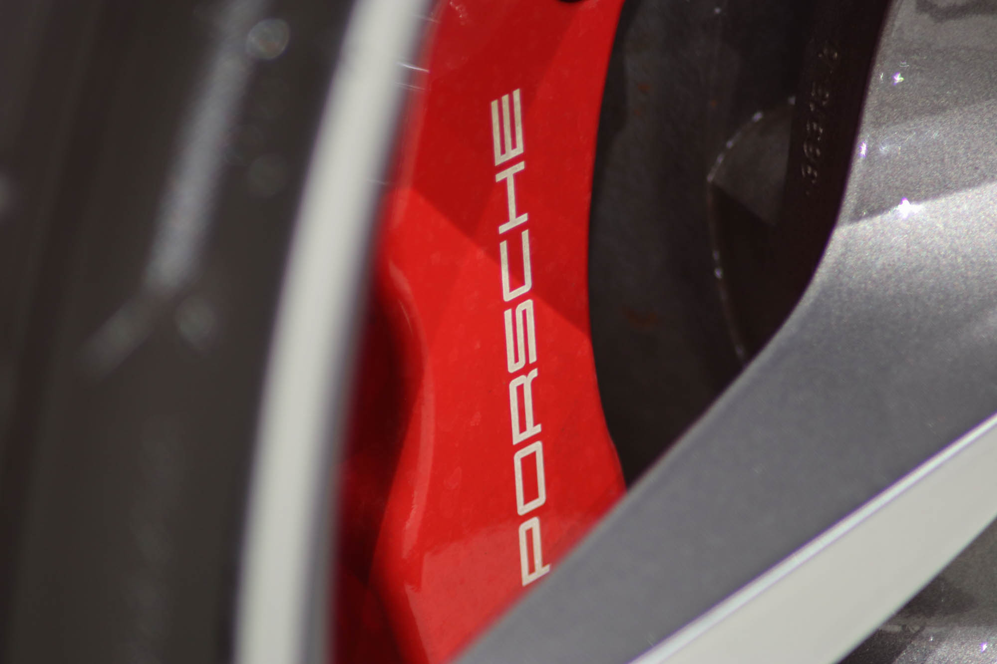 997.2 C4S Red Details-12