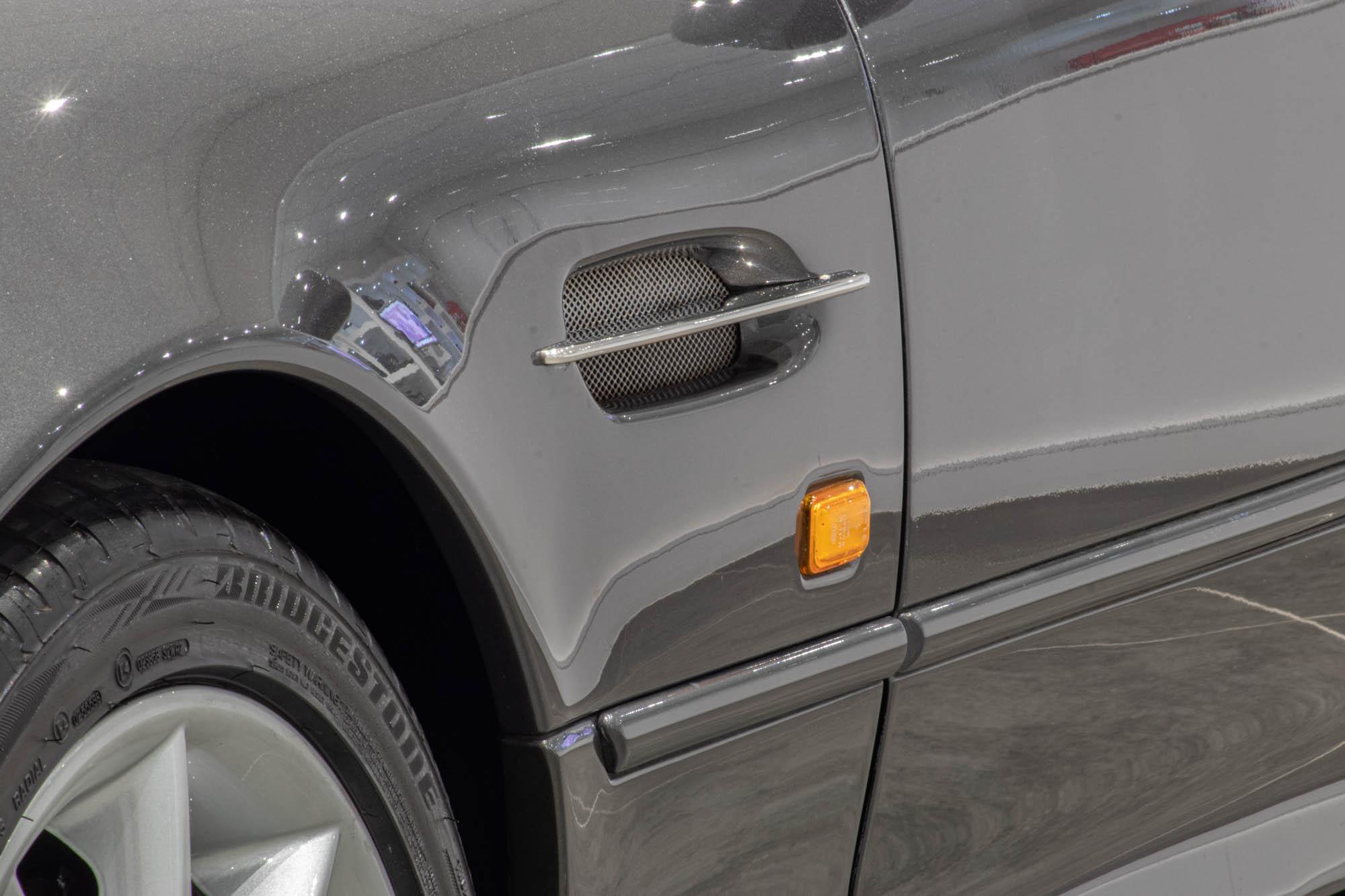 Aston Martin DB7-5