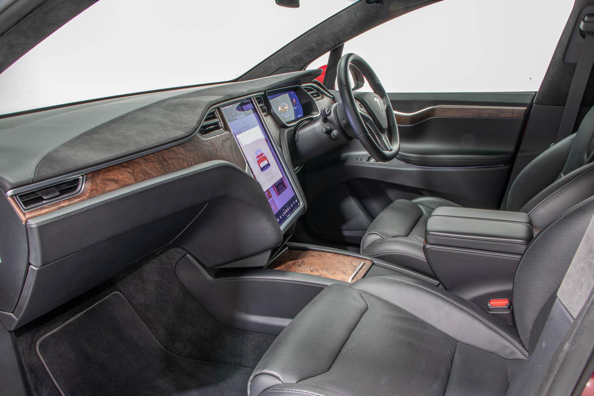 Tesla Model X-26